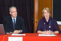 Luis Martínez García y la presidenta de Los Caprichos