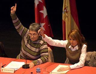 Juana Balas y una de las concejalas del PP votan a favor de la moción de censura de Velilla.