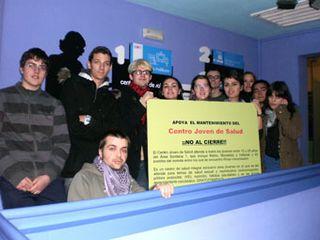 Jóvenes del Movimiento contra el cierre del Centro Joven de Salud de Rivas-Vaciamadrid.